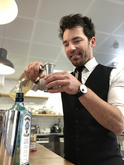 Hire a Cocktail Bartender